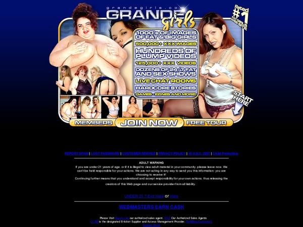 Grandegirls With Zombaio